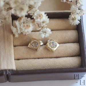 Diamond shaped stud earrings in gold